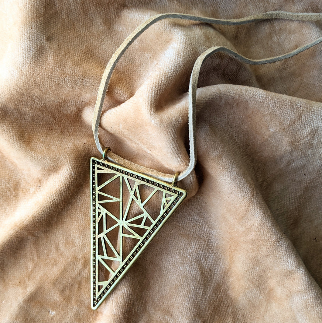 Scattered Triangles Arrowhead Necklace