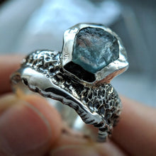 Load image into Gallery viewer, Spindrift Sapphire Ring