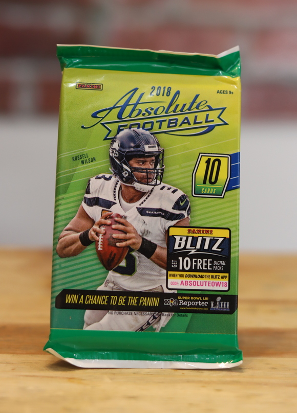 2018 Panini Absolute Football Card Retail Wax Pack (10 Cards)