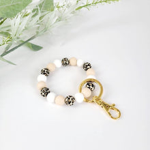 Load image into Gallery viewer, LEOPARD PETITE Bracelet Key Ring