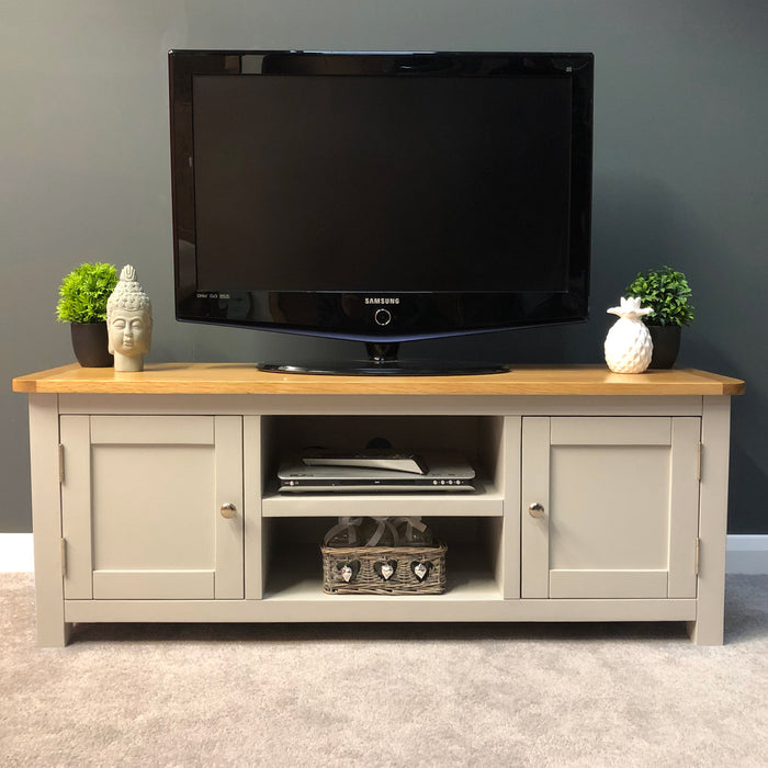 Sutton Oak Large TV Unit