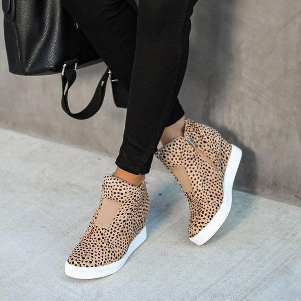 Sandalsvibe Extra Mile Leopard Wedge Sneakers