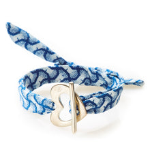 Load image into Gallery viewer, QUIRKY Shweshwe Bracelet Heart - Indigo blue - No Memo