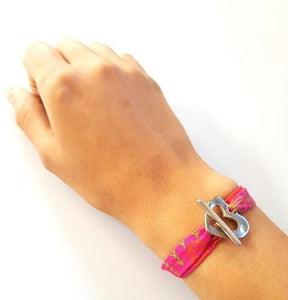 QUIRKY Shweshwe Bracelet Africa - Red - No Memo