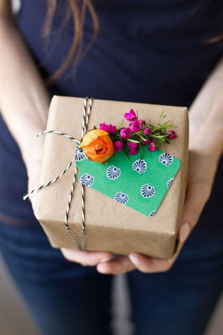 Methods of Gift Packaging