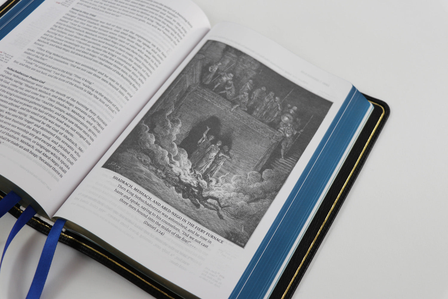 Word of God - Royal Blue Edition - Premium Bible with illustrations from Gustave Dore