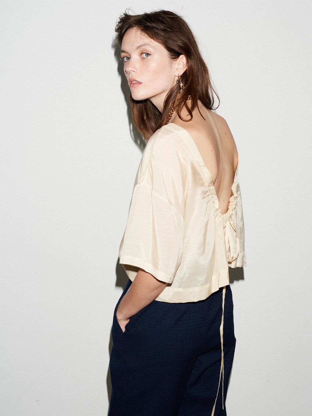 SAND RUCHED BACK TOP