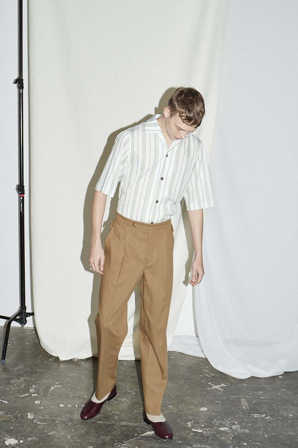 Nutmeg Cotton Pleat Trouser
