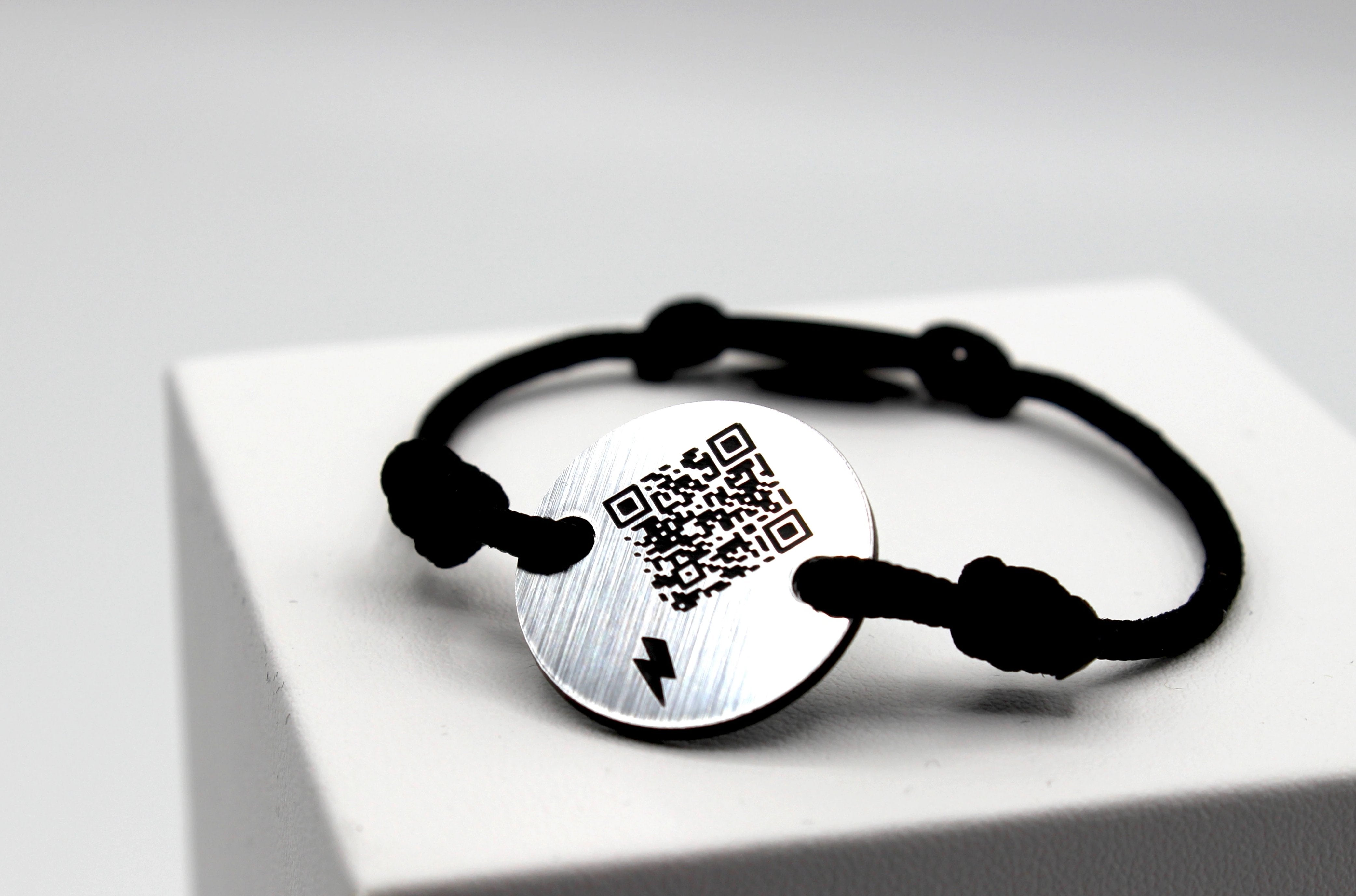 Qoeur. Bracelet enfant d'identification. Flash. - Qoeur.fr