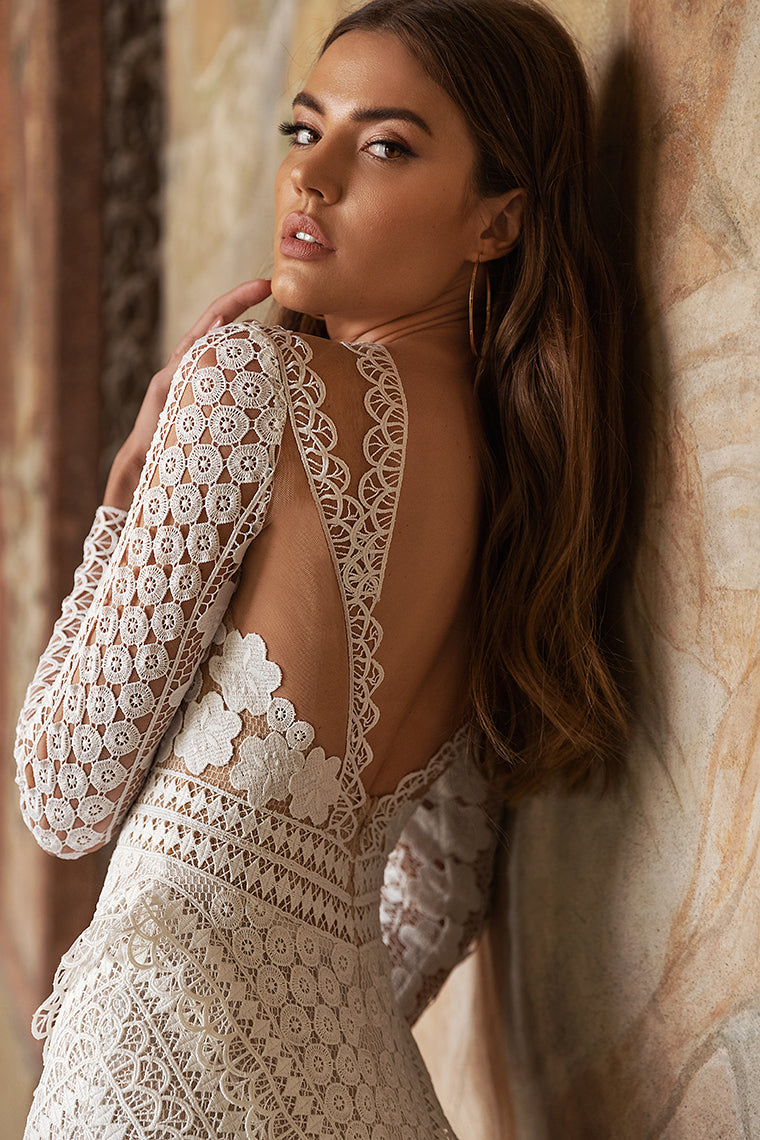Knowing your Lace wedding dress: From Straight, Lush and Mermaid
