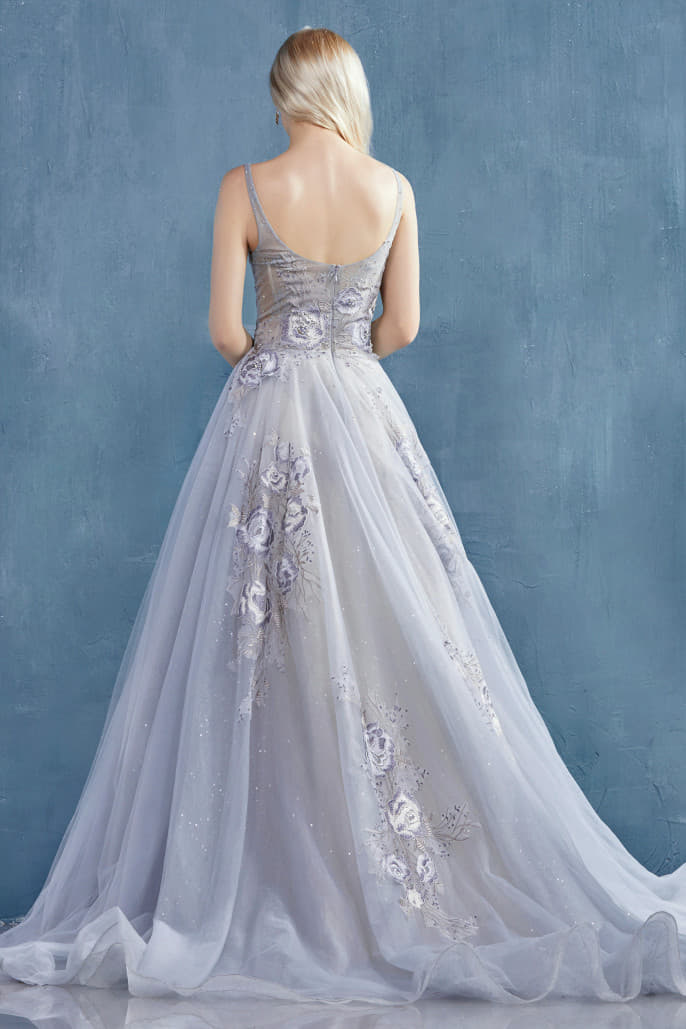 LILIAN GOWNA DRAMATIC V-NECK TULLE BALLGOWN WITH BEADED LACE DETAILS
