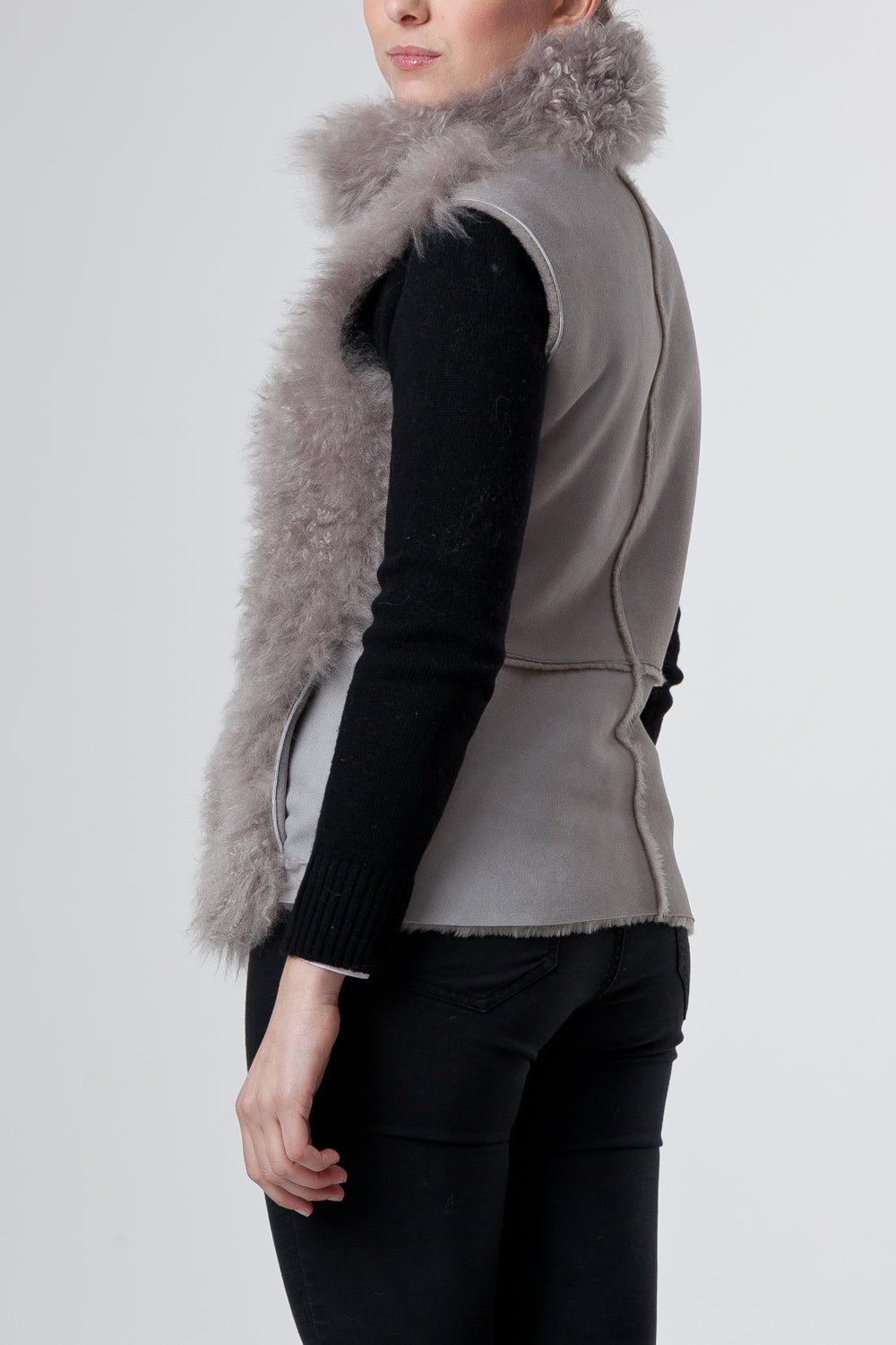 Il Gilet Corto Grigio - The Short Gray Vest