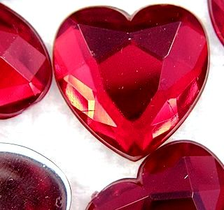 18.5mm Heart Shape (Acrylic) Red Siam