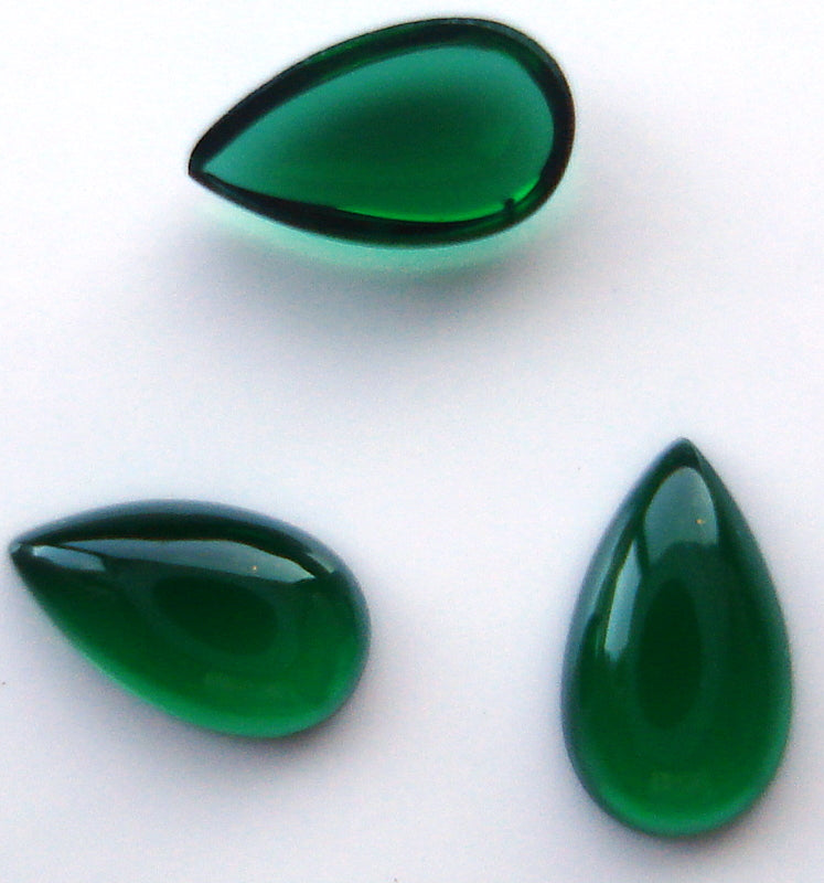 SIMULATED EMERALD 3.5x2mm PEAR SHAPE CABS