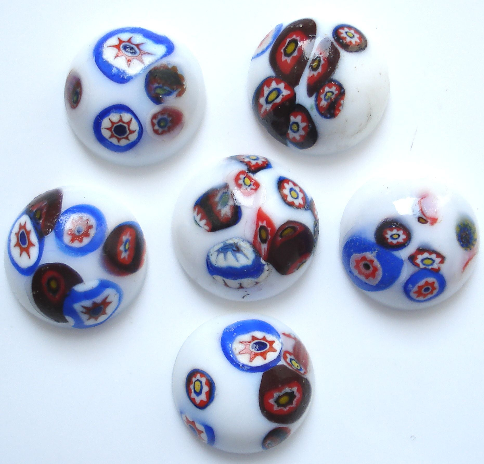 15MM ROUND WHITE MOSAIC CABS