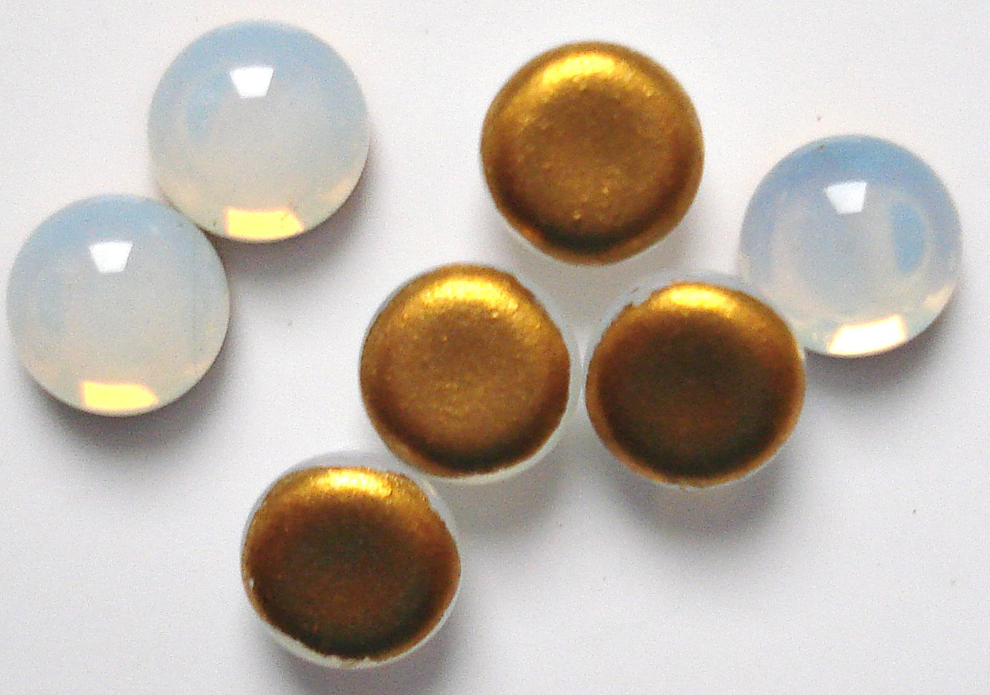 5MM (2194) ROUND GLASS WHITE OPAL CABOCHONS