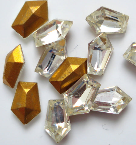 6X4MM CRYSTAL ELONGATED SHAPE PENTAGONS