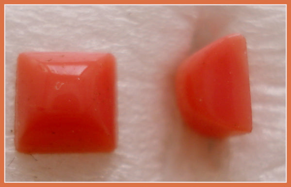 4MM (2062) CABOCHON CORAL COLOR SQUARES