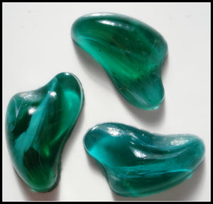 17X13MM GLASS FREEFORM FLAWED EMERALD CABS