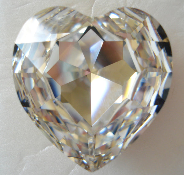 28MM (4827) CRYSTAL HEART SHAPES