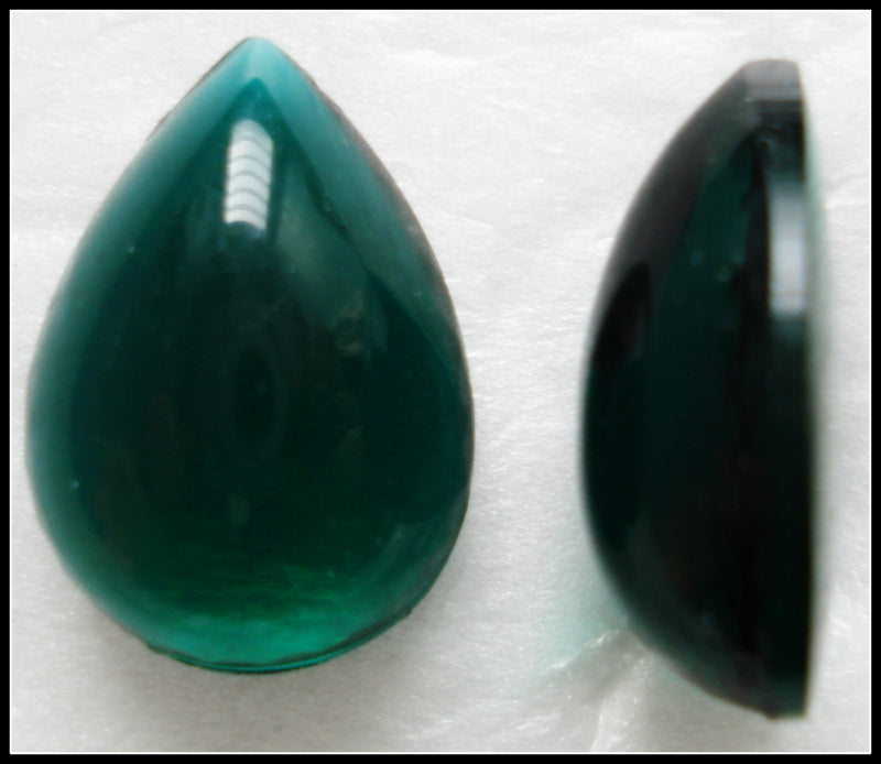 18X13MM (3331) UNFOILED EMERALD PENDALOQUE CABS