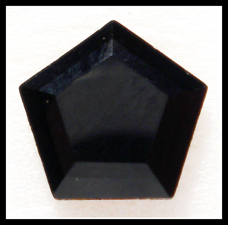 8MM (4847) JET BLACK COLOR PENTAGONS