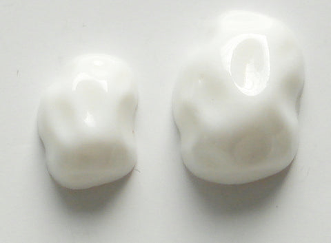 14X10 18X13MM CHALK WHITE NUGGET STONES