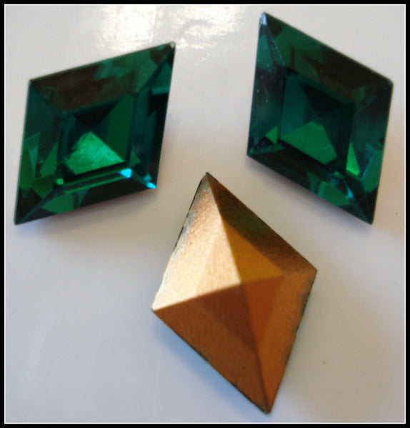 13x9mm (4710) Emerald Diamond Shape