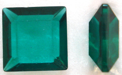 8mm (4404/2) Emerald Channel Cut Square Unfoiled