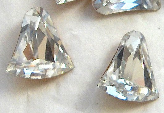 12mm (4806) Crystal Bell Shape