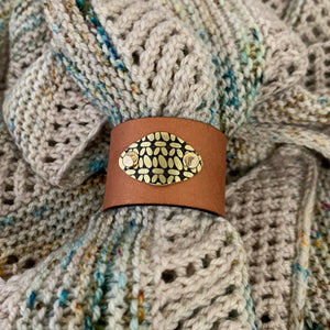 SIERRA LEATHER SHAWL CUFF CROCHET