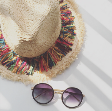 What trendy hat should you adopt in the summer?
