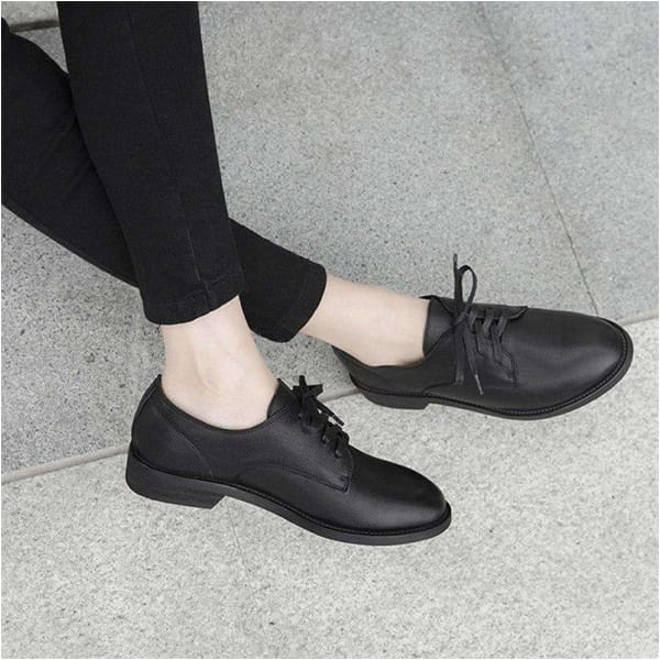 Women`s lace up casual leather shoes