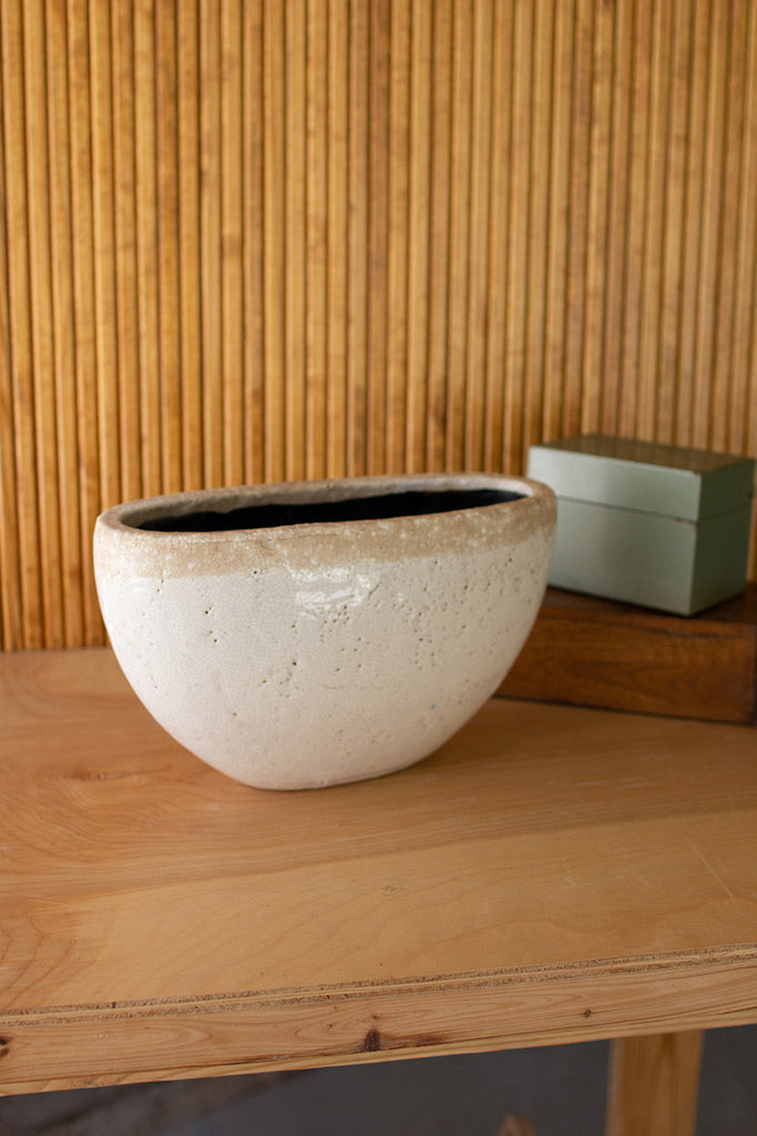 oval white ceramic pot \ small