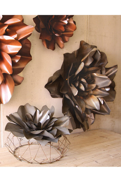 set of 2 metal hanging wall flowers \ raw finish