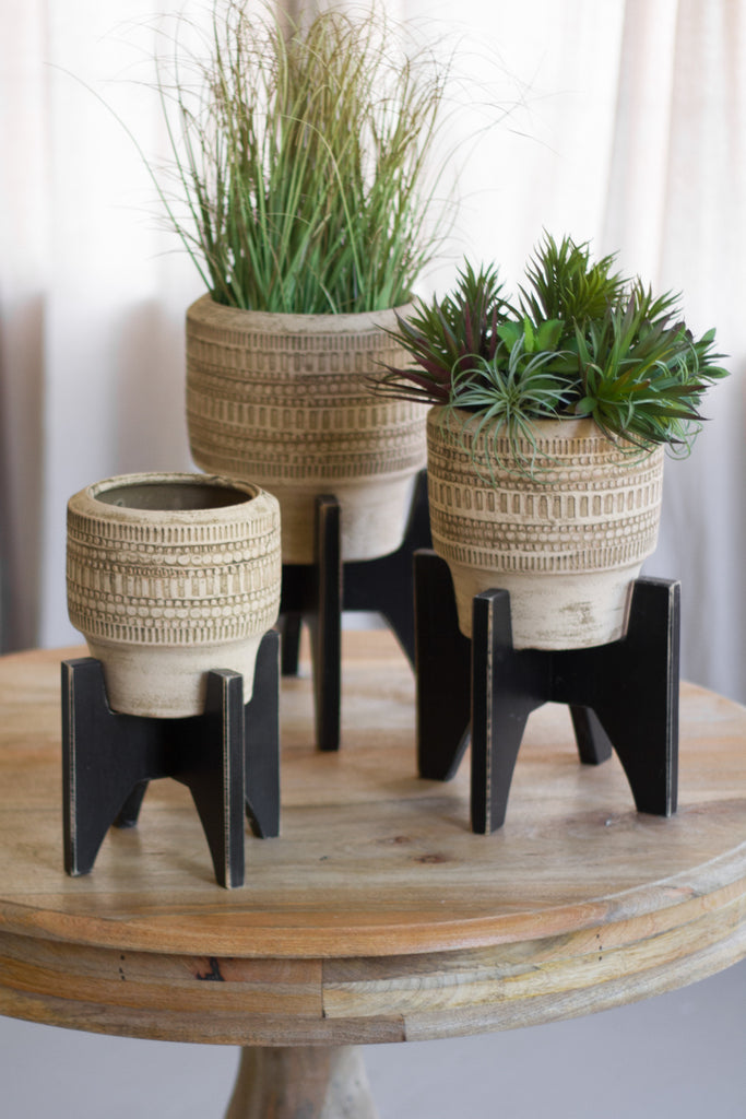 Round Clay Planters With Black Wooden Bases - Set of 3