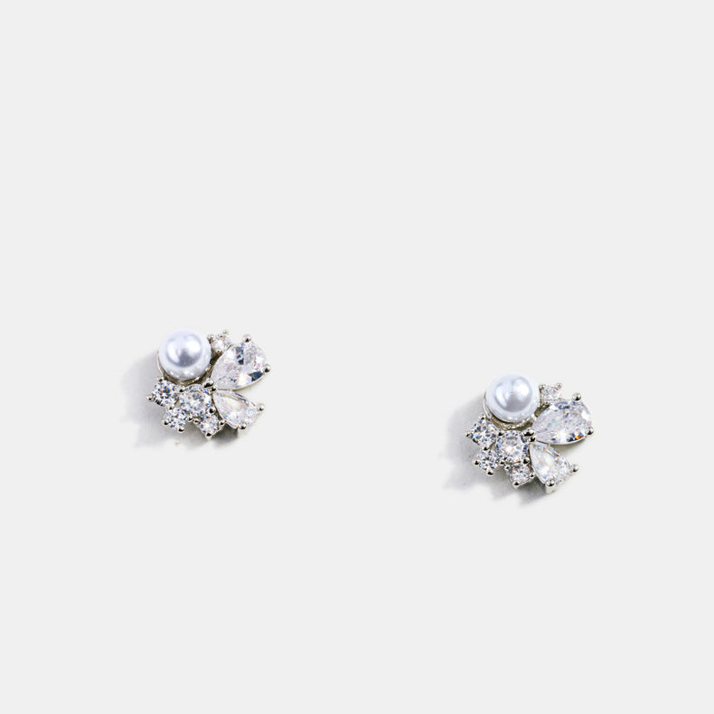Shiny Pearl Rhinestone Stud Earrings