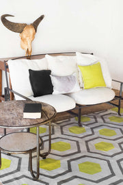 Alfombra ABEJA LIMA Y GRIS - Kilombo Rugs