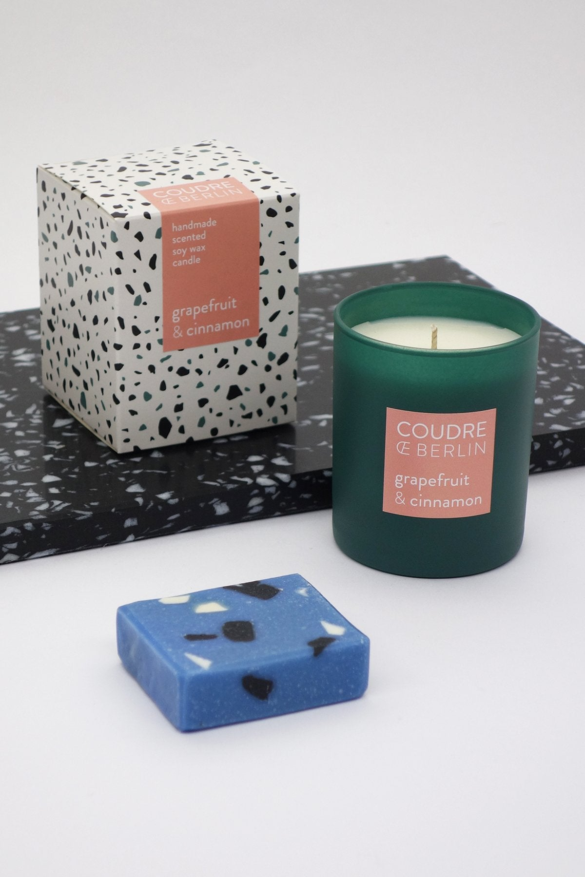Set of contemporary candle + soap