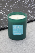 Laden Sie das Bild in den Galerie-Viewer, coconut & verbena / CONTEMPORARIES Scented Candle