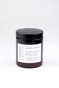 geranium x cedarwood / ESSENTIALS Scented Candle