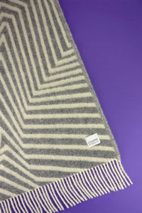 Woolen Blanket leaves granite