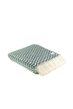 Laden Sie das Bild in den Galerie-Viewer, Woolen Throw waves petrol/greenstone