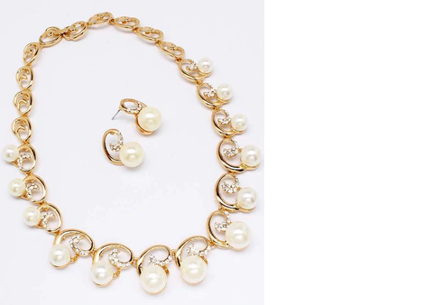 Pearl Swirl Necklace - Beautique Online Store