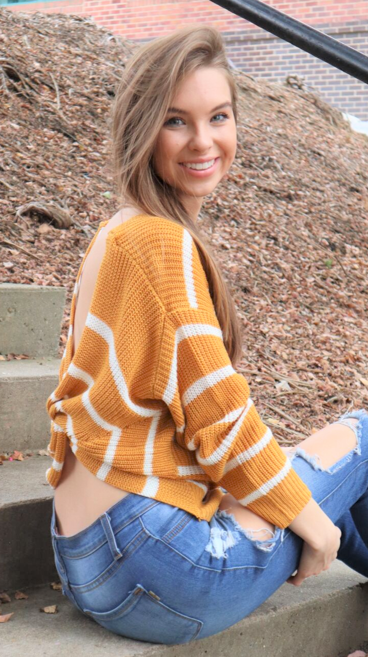 Love Twist Sweater Mustard/White