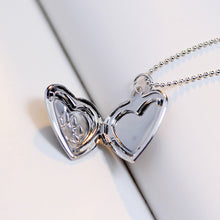 Load image into Gallery viewer, Photo Heart Locket