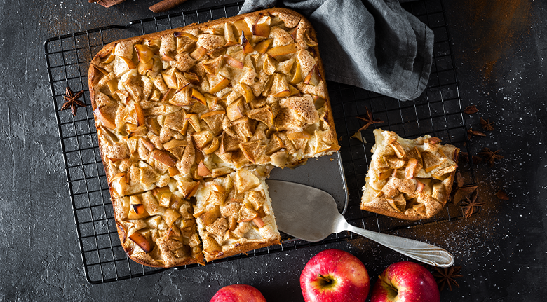 Chado's Apple Squares With Apples And Slicer