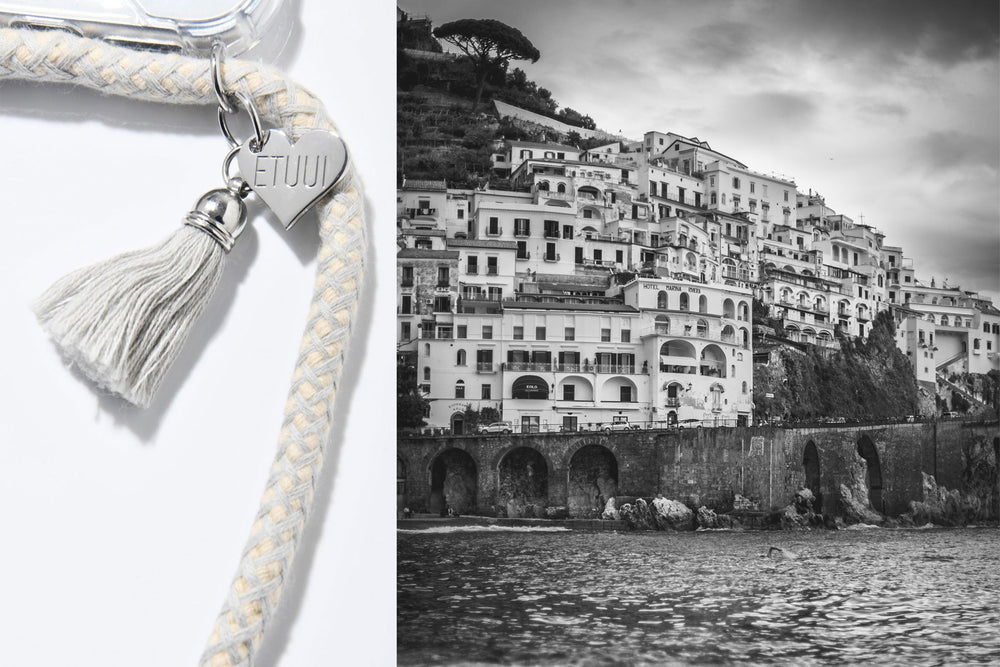Amalfi Phone Necklace mit silbernen Charms
