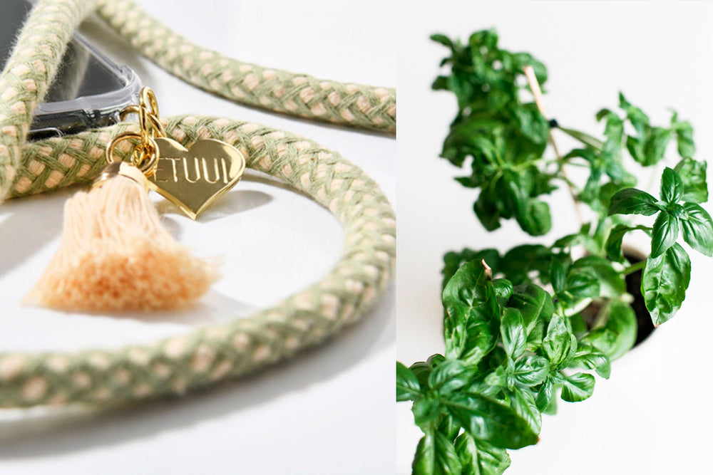 Basil Phone Necklace mit goldenen Charms