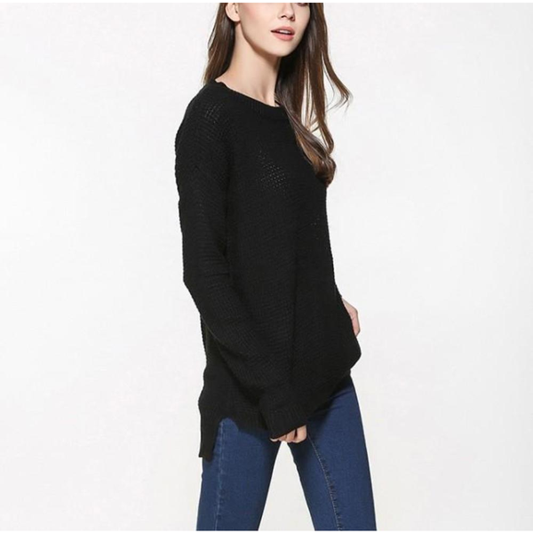 Women's Relaxed Fit Round Neck Sweater in Black - Pike Creek Boutique